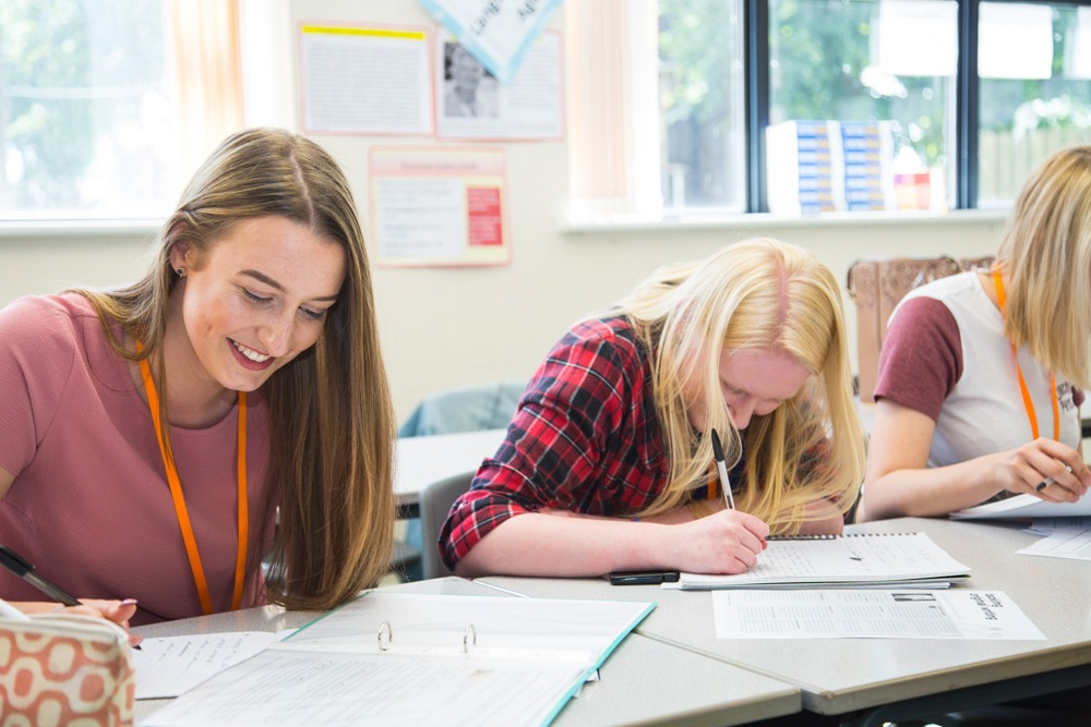 BTEC  APPLIED LAW (1 A LEVEL EQUIVALENT)